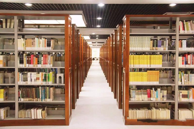 کتابخانه دانشگاه هواجونگ چین